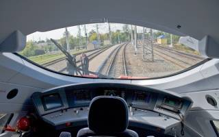 Как работают машинисты поездов дальнего следования